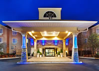 Holiday Inn Express Hotel and Suites Aloca Airport